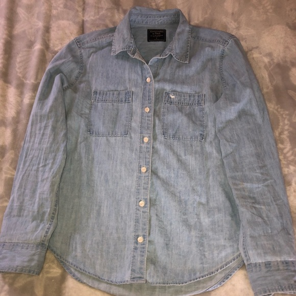 cee3d30b36a Abercrombie   Fitch Tops - Abercrombie Light Denim Chambray Shirt